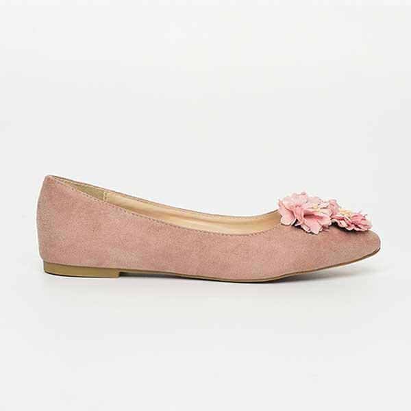 Giày búp bê có trang trí