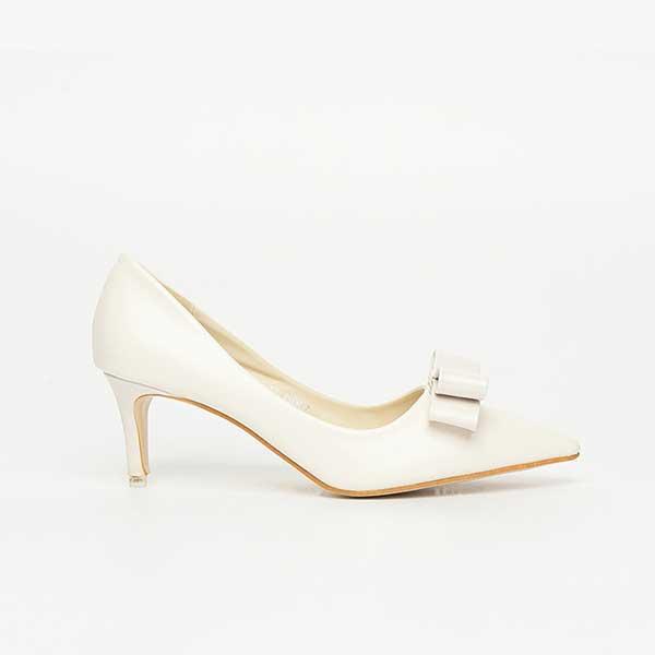 Giày cao gót có trang trí