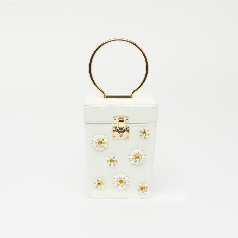 Chọn túi xách nữ dạng hộp cho mùa xuân thêm đẹp