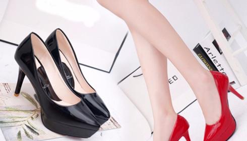 Bật mí cách chọn giày cao gót diện trong những buổi tiệc