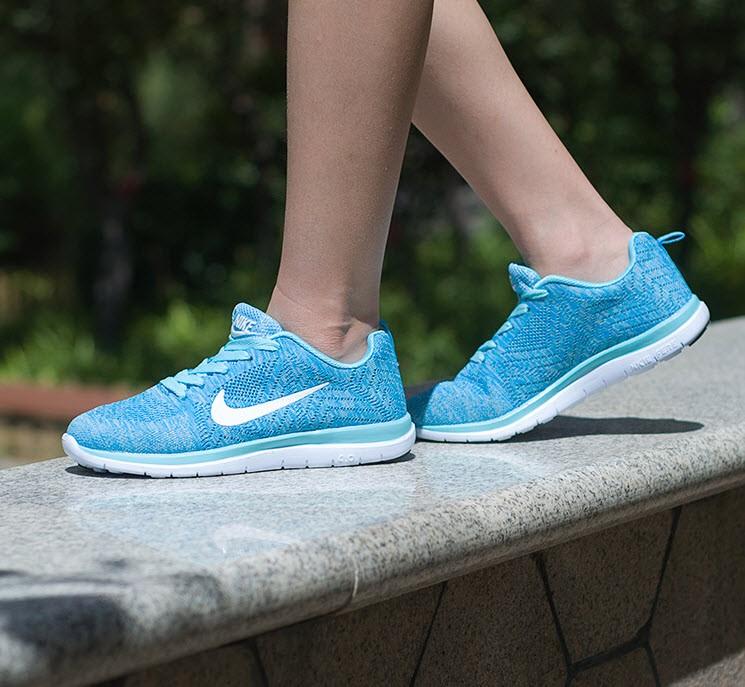chọn giày thể thao cho nữ