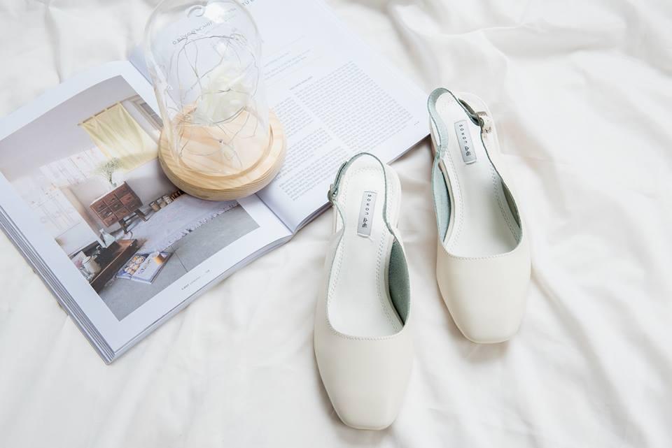 Thần kỳ cách tẩy mốc trên giày da trắng